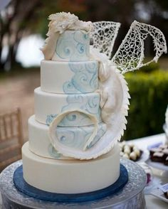 Dragon!!! white and blue cake