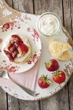 Paula Deen Grilled Strawberries with Orange Cream. Grilled Strawberries just sound delicious with anything! Just Desserts, Delicious Desserts, Dessert Recipes, Yummy Food, Camping Desserts, Dessert Bread, Paula Deen, Sour Cream Scones, Breakfast Desayunos