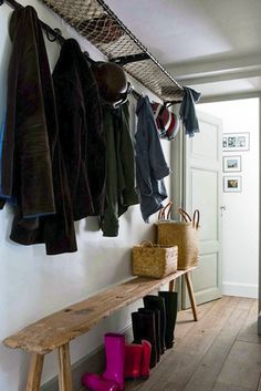 Net Entryway Shelf | 40 Brilliant DIY Organization Hacks