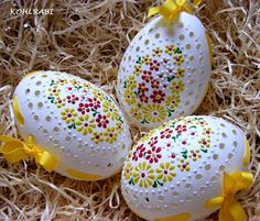 něžné jarní paprsky KACHNÍ / Zboží prodejce kohlrabi | Fler.cz Easter Egg Crafts, Easter Eggs, Easter Symbols, Egg Shell Art, Egg Designs, Easter Parade, Easter Traditions, Egg Art, Egg Decorating