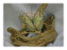 Tegolina con farfalla verde