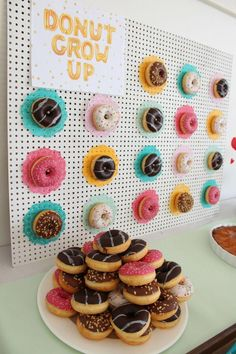 Best DIY Sprinkle Party Favors Ever! Donut grow up Donut Birthday Parties, Donut Party, 3rd Birthday, 18th Birthday Party Ideas For Girls, Donuts Donuts, Party Favors, Shower Favors, Shower Invitations, Grown Up Parties