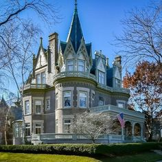 """15 Likes, 1 Comments - Captivating Houses (@captivatinghouses) on Instagram: """"Victorian Mansion in Wisconsin! For more interior pictures go to link in profile! #architecture…"""""""