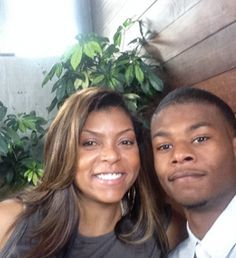 Think Like A Man Too actress Taraji P. Henson discusses the passing of her son's father and entertainment industry dating. Taraji P Henson Son, Celebrity Babies, Celebrity Photos, Celebrity Style, Black Celebrities, Celebs, Celebrity Makeup Looks, Sarah Michelle Gellar, Christina Aguilera