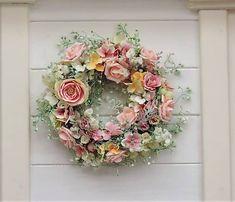 Clarah / Celoročný veniec s ružami Vence, Floral Wreath, Wreaths, Home Decor, Easter, Garlands, Flower Crowns, Door Wreaths, Deco Mesh Wreaths