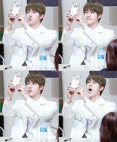 [Picture/Fansitesnap] BTS Fansigning 3rd mini album 화양연화 pt.1 at Mokdong [150516] | btsdiary