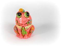 Frog Piggy Bank Coin Bank Groovy Pink Frog by A2ndlifeVintage