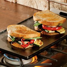 Are you looking for the best grill pan for the gas stove? Here is the best grill pan which is Reversible with smooth griddle and ribbed grill sides. Lodge Cast Iron Griddle, Cast Iron Grill, Stove Top Griddle, Best Grill Pan, Grilling Recipes, Cooking Recipes, Indoor Bbq, Flat Top Grill, Making Grilled Cheese