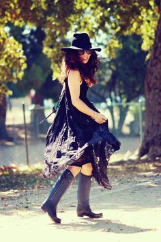 Hallie Swanson channels her inner bohemian featuring @Free People and @Hunter Boots #OOTD - See more at: http://www.fashionindie.com/post/bohemian-style-lace-dress-rag-n-bone-x-hunter-boots#sthash.PhenWb7W.dpuf by @Hallie Swanson #fashion #blogger #bohemian