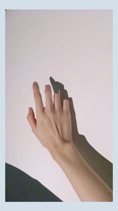 I like this hand because my hand to us everything are good