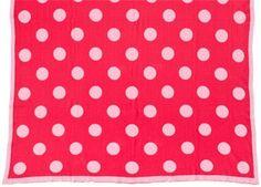 snoezig gebreid roze deken met stippen 120x160cm