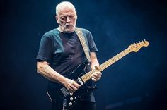 David Gilmour, ex chitarrista dei Pink Floyd, seduce Pompei a cura di Redazione - http://www.vivicasagiove.it/notizie/david-gilmour-ex-chitarrista-dei-pink-floyd-seduce-pompei/