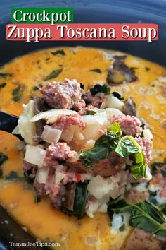 Super easy Crock Pot Zuppa Toscana Soup filled with Italian Sausage potatoes kale and more. This copycat Olive Garden Soup is so dang easy to make in the slow cooker. Crock Pot Soup, Slow Cooker Soup, Crock Pot Cooking, Slow Cooker Recipes, Crockpot Meals, Crockpot Zuppa Toscana, Zuppa Toscana Suppe, Hearty Soup Recipes, Tomato Soup Recipes