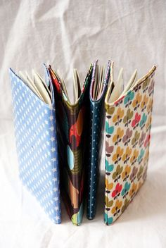 The best DIY projects & DIY ideas and tutorials: sewing, paper craft, DIY. Diy Craft Projects, Sewing Projects, Crafts, Diy Accessoires, Diy Gifts, Handmade Gifts, Creation Couture, Easy Sewing Patterns, Couture Sewing