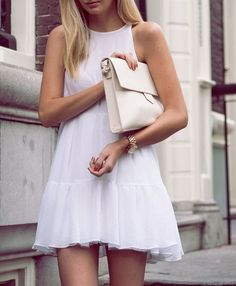 White chiffon dress. Spring/summer collection 2016.