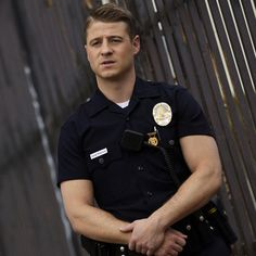 Ben McKenzie has been tapped to play the lead role of Detective James Gordon in the FOX series 'Gotham'. Ben Mckenzie Gotham, Sherlock, Detective, Benjamin Mckenzie, Superhero Tv Shows, Jim Gordon, Fox Series, Hot Cops, Mary Elizabeth Winstead