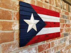 Flag Painting, Pallet Painting, Pallet Art, Pallet Projects, Puerto Rico Pictures, Puerto Rican Flag, Patriotic Pictures, Puerto Rican Culture, Wooden Flag