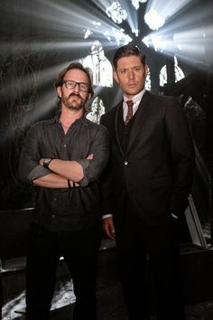 Jensen Ackles and Richard Speight Jr. in Supernatural Supernatural Tumblr, Supernatural Season 14, Supernatural Bunker, Supernatural Bloopers, Supernatural Tattoo, Supernatural Imagines, Supernatural Wallpaper, Michael Supernatural, Supernatural Actors