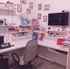 34 Trendy home office desk bedroom decor Bedroom Desk, Diy Bedroom, Diy Room Decor, Home Decor, Trendy Home, Home And Deco, Home Office Desks, Dream Rooms, Interior Design Living Room
