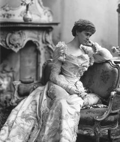 U.K. Actress Nina Boucicault (stage name), Mrs. Donald Innes Smith (1867-1950), 1899
