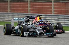 Gp Bahrain: vince Hamilton dopo mille emozioni