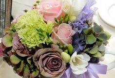 Hydrangea and roses centrepiece - ceramic teapot - wedding