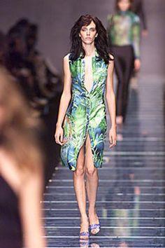 Versace Spring 2000 Ready-to-Wear Collection Photos - Vogue