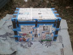 dance - painting steamer trunk The tin portions were painted with Rust inhibiting black spray paint Old Trunks, Vintage Trunks, Trunks And Chests, Vintage Suitcases, Antique Trunks, Trunk Redo, Trunk Makeover, Furniture Makeover, Refurbished Furniture