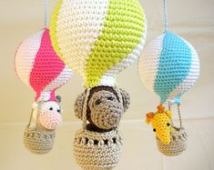 Baby Mobile Hot Air Balloon Baby Shower Gift por SimplyStitcheduk