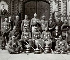 "vintagesportspictures: ""University of Toronto hockey team (1921) """