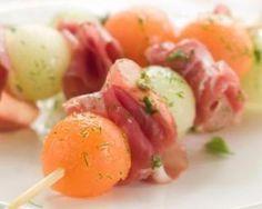 Brochettes de billes au jambon minceur : http://www.fourchette-et-bikini.fr/recettes/recettes-minceur/brochettes-de-billes-au-jambon-minceur.html