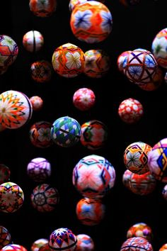 Japanese traditional handmade balls, Temari 手鞠 dunno what I'd do with them:/