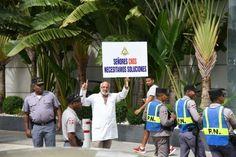 Fotos: Médicos montan vigilia frente al Consejo de la Seguridad Social