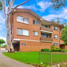 strata report available for 277 Livingstone R...  from S108 -  http://www.section108.com.au/products/277-livingstone-road-marrickville?utm_campaign=social_autopilot&utm_source=pin&utm_medium=pin