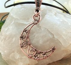 Crescent Moon Pendant   JewelryLessons.com