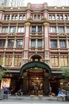 Galerie commerçante The Strand dans le centre-ville de #Sydney #Australie Harbour Bridge, Photos Voyages, Blog Voyage, List, Belle Photo, Arcade, Centre, Street View, The Neighborhood
