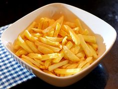 how to use an airfryer Diet Food To Lose Weight, Chicken And Chips, Air Fryer Review, Best Air Fryers, Actifry, Multicooker, Food Lists, Potato Recipes, Love Food