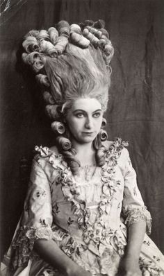 The Duchess Of Devonshire, Marie Antoinette Costume, Historical Hairstyles, 70s Hair, Theatre Costumes, Creative Hairstyles, Vampire Art, Vintage Beauty, Hair Pieces