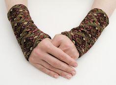 Stulpen Armstulpen mit Ethno Muster aus Jacquard  von mandaringelb auf DaWanda.com