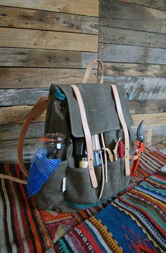 SHELTER Wildcrafting Bag