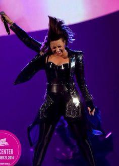 Demi Lovato DEMI WORLD TOUR