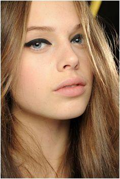 Thin Eyeliner Tips