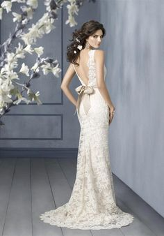 @Katie Ingram - I don't know what kind of wedding dress you want, but this is gorgeous!