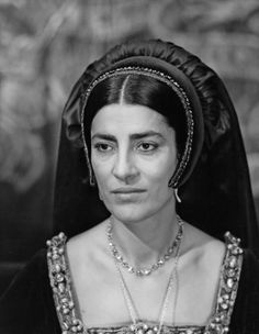 "Irene Papas as Catherine of Aragon in ""Anne of the Thousand Days"" Queen Isabella, Queen Mary, Downton Abbey, Irene Papas, Isabella Of Castile, British Costume, Wives Of Henry Viii, Tudor Fashion, Catherine Of Aragon"