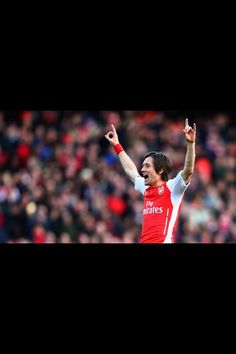 It's fantastic that Thomas Rosicky will be staying at Arsenal for another season!  He needs to be played more...