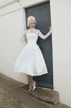 Cocktail Length White Lace Long-Sleeved Wedding Dress