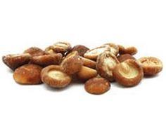 DECOME || (Shitake) Lentinus Edodes. El Shiitake es un hongo comestible, muy apreciado en China, Japón y Korea desde hace 2000 años. Asombra su potente sabor y carne compacta, tanto a la plancha como en arroces, pastas o guisos. Estado: Congelado. En Caja de 5 Kg.  Caja de 5 unidades.