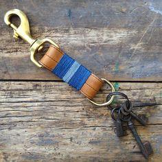 Den & Delve blue stripes keychain