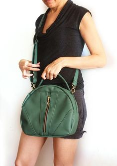 2 important things to Know when you choose your everyday backpack!   Bags    Pinterest   Backpacks, City girl and Bag da2ca40fc7