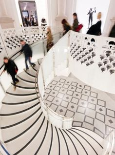 Tate Britain art gallery: Art reincarnated   London's Tate Britain shines from its $86 million facelift, right down to the cafe's teaspoons and fridge magnets, discovers Belinda Jackson.